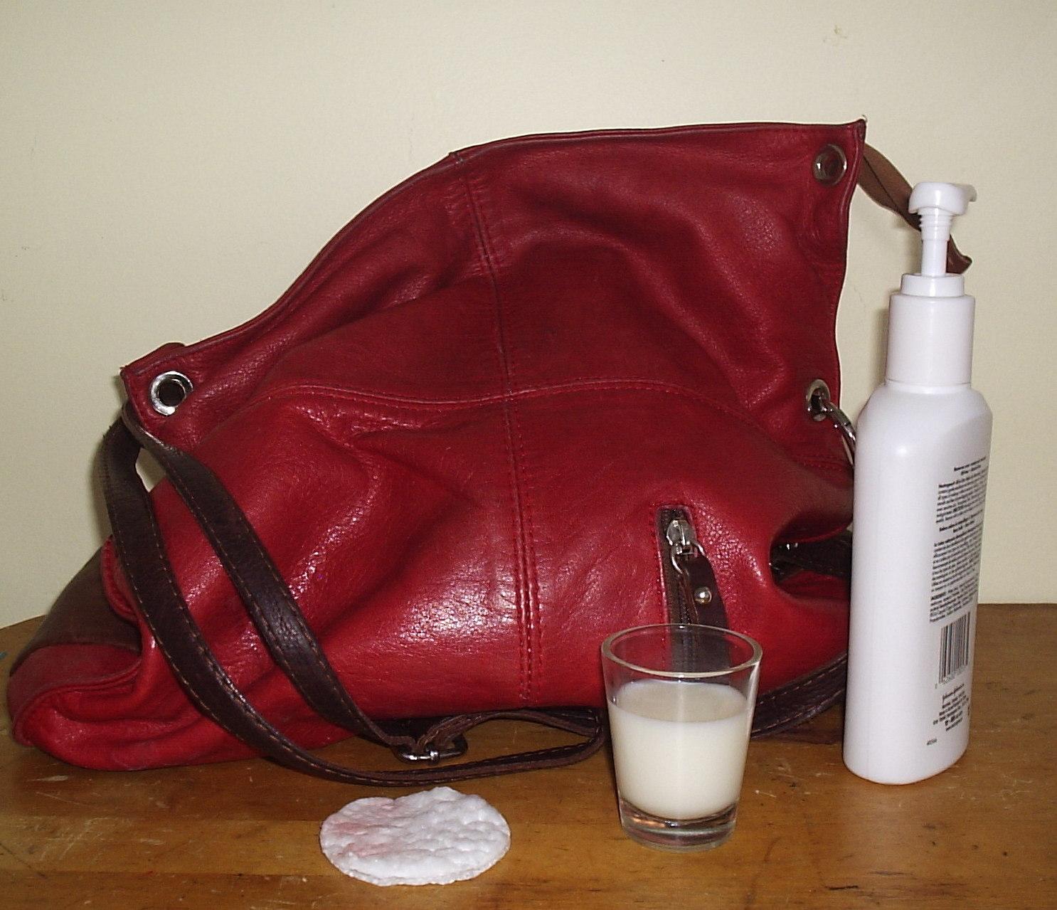 Entretien Canapé Cuir Naturel comment nettoyer le cuir | madame chasse-taches